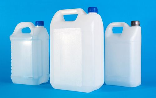 Преимущества пластиковых канистр
